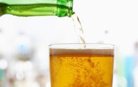 beer-in-clear-beer-and-liquor-never-sicker0-1