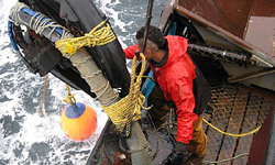 crab-fishing-101-deckhand-250x150