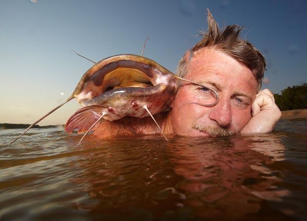 How To Noodle Hillbilly Handfishin Animal Planet