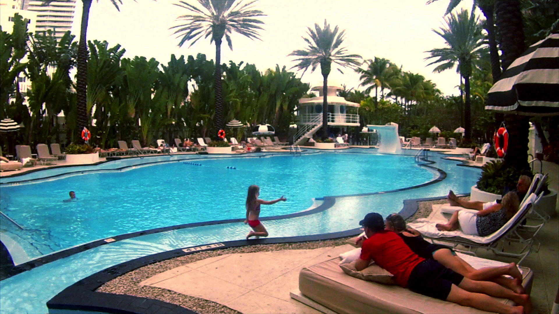 Ultimate pools take a dip where clark gable once swam for Ultimate pool show