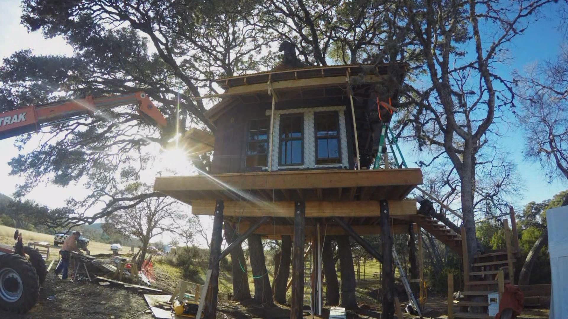 Timelapse: | Hill Masters  Treehouse Hideout Country
