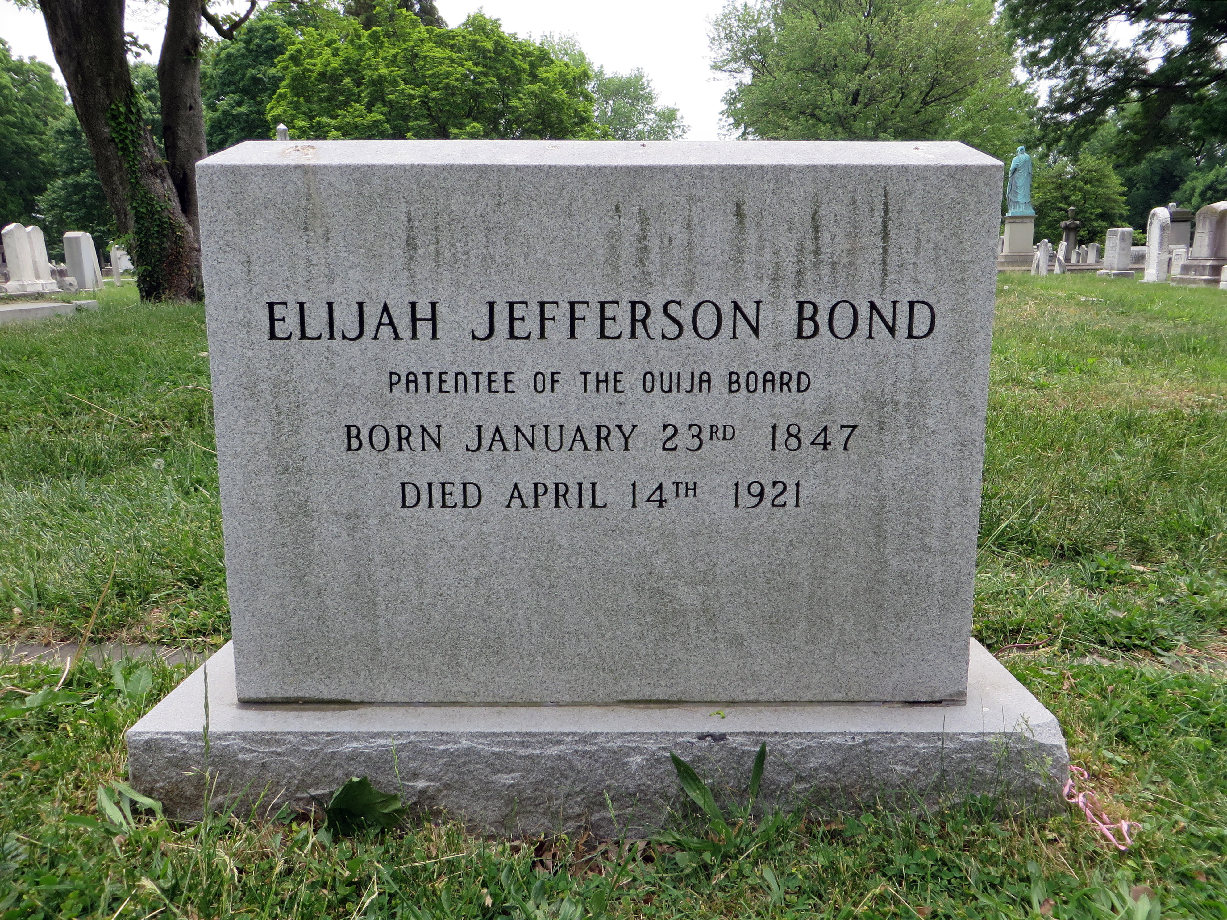 The gravestone of Elijah Bond
