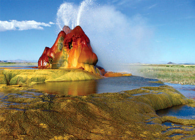 north-america-fly-geyser-625x450