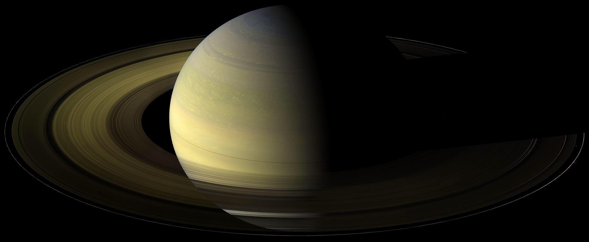 Saturn at its equinox
