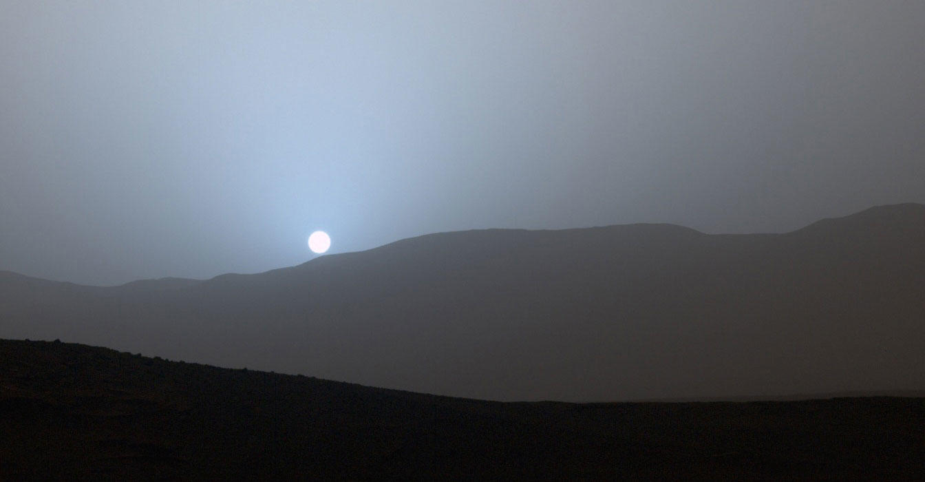NASA's Curiosity Rover Views Serene Sundown on Mars