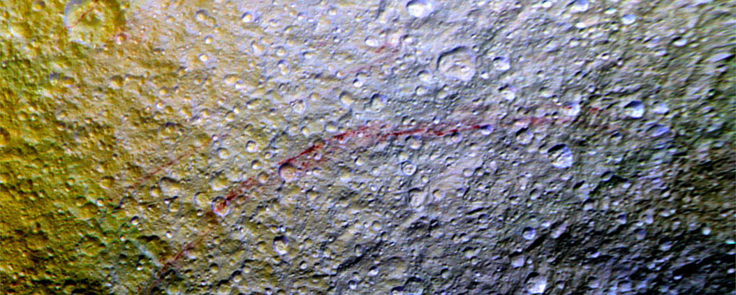 Streaks on Tethys