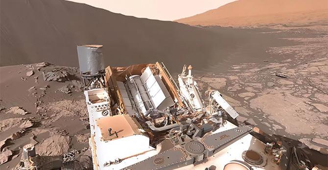 Mars 360 experience from Curiosity