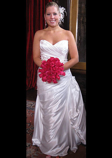 four-weddings-328-juli-dress