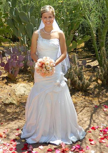 four-weddings-406-amber-dress