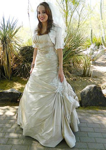 four-weddings-406-leah-dress
