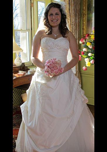 four-weddings-325-lindsey-dress