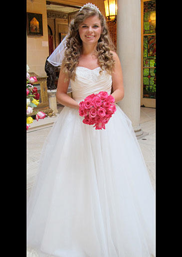four-weddings-325-shannon-dress