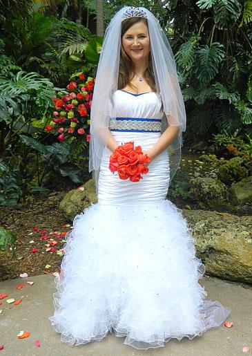four-weddings-404-christina-dress