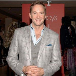 Clinton Kelly is best known for the warm humor and stylistic flair he brings each week to TLC's top-rated show,