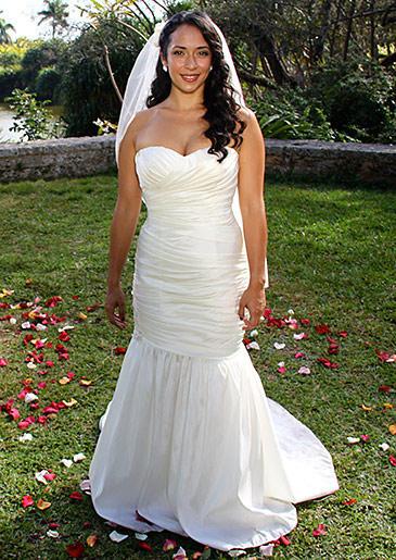 four-weddings-423-danays-dress