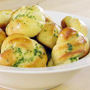 lil-cake-boss-garlic-knots-2-300x300