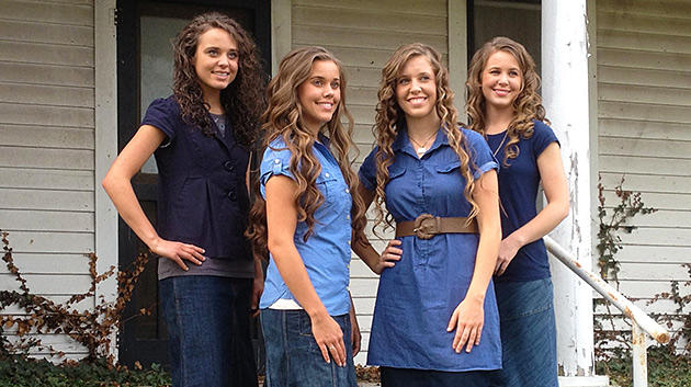 media-images-promos-2013-10-duggar-modest-dress-2-630x353-jpg