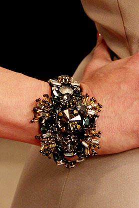 stacys-closet-907-reveal-bracelet