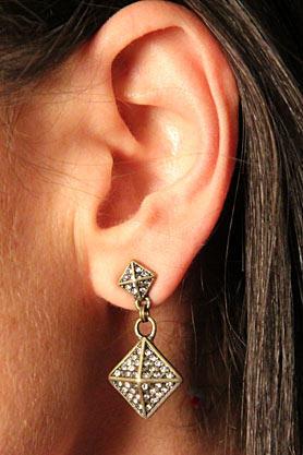 stacys-closet-907-shop-days-earrings