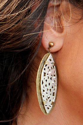 stacys-closet-909-jodi-shop-days-earrings