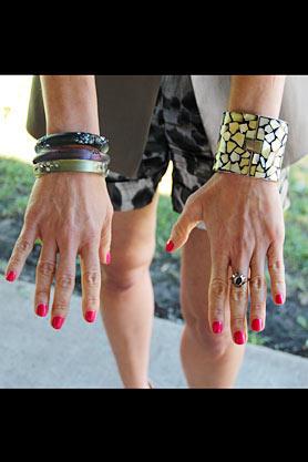 stacys-closet-910-rebecca-hit-accessories