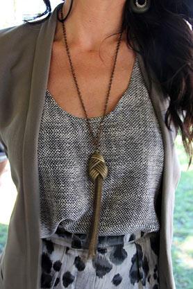 stacys-closet-910-rebecca-hit-necklace