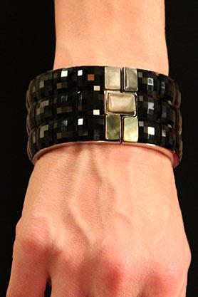stacys-closet-911-reveal-bracelet