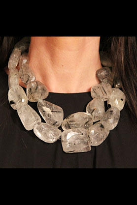 stacys-closet-911-reveal-necklace