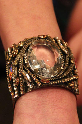 stacys-closet-912-studio-1-bracelet