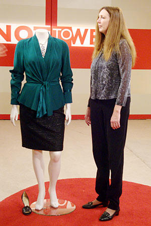 what-not-to-wear-819-janet-360-outfit-3-3