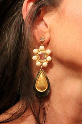 wntw-stacys-closet-906-studio-1-earrings