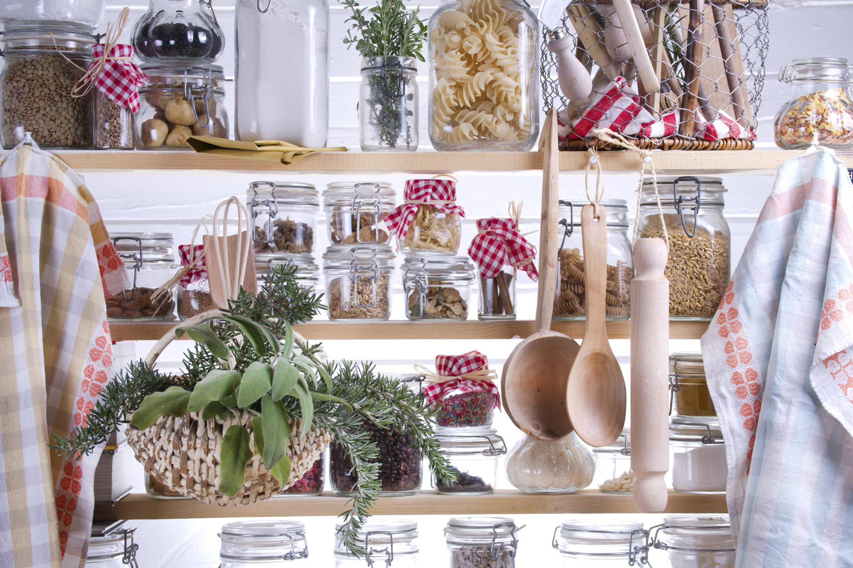 35 Ingenious Tricks For Organizing Small Spaces