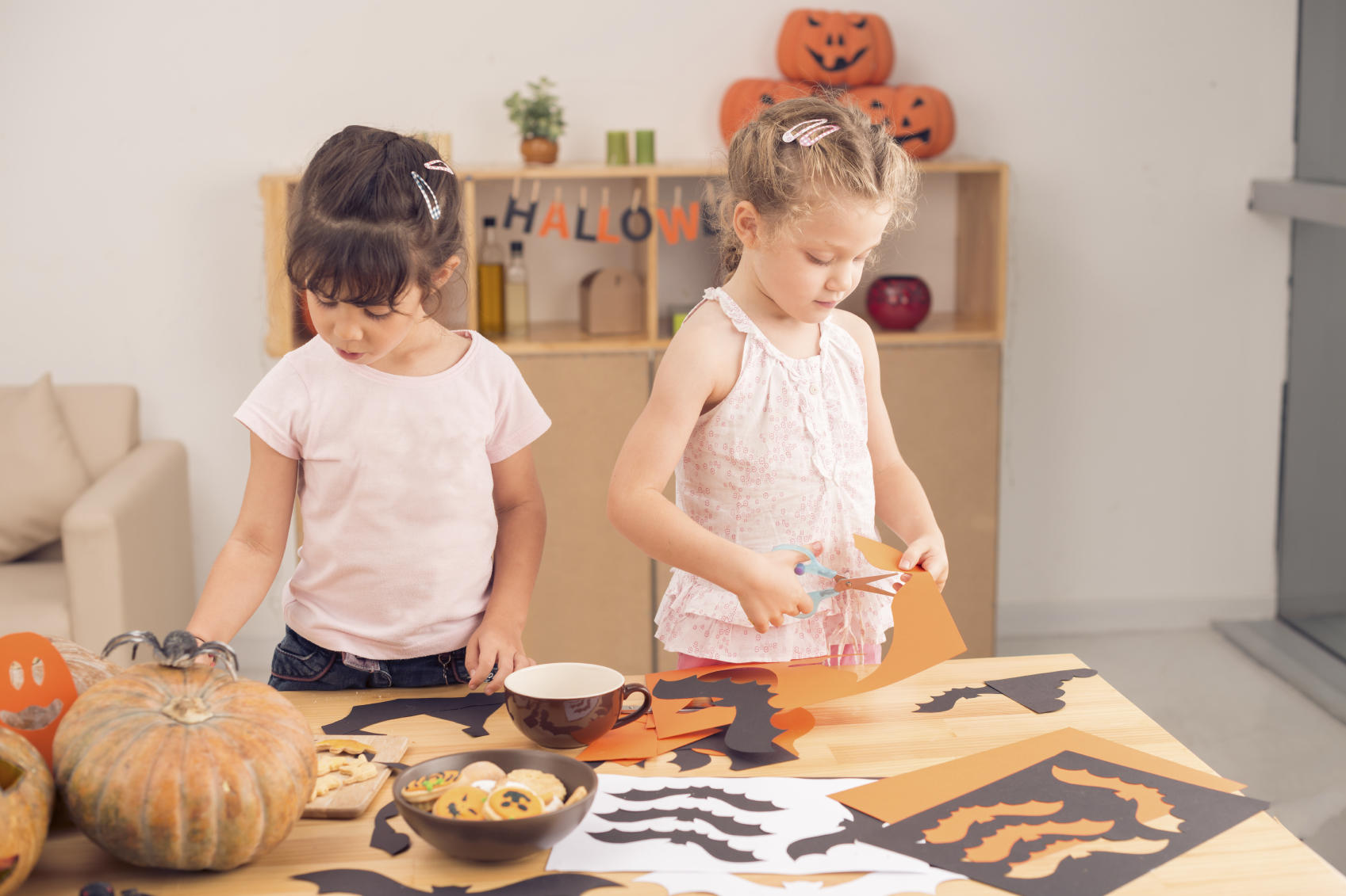 13 Frightfully Fun Halloween Crafts to Make with the Kids