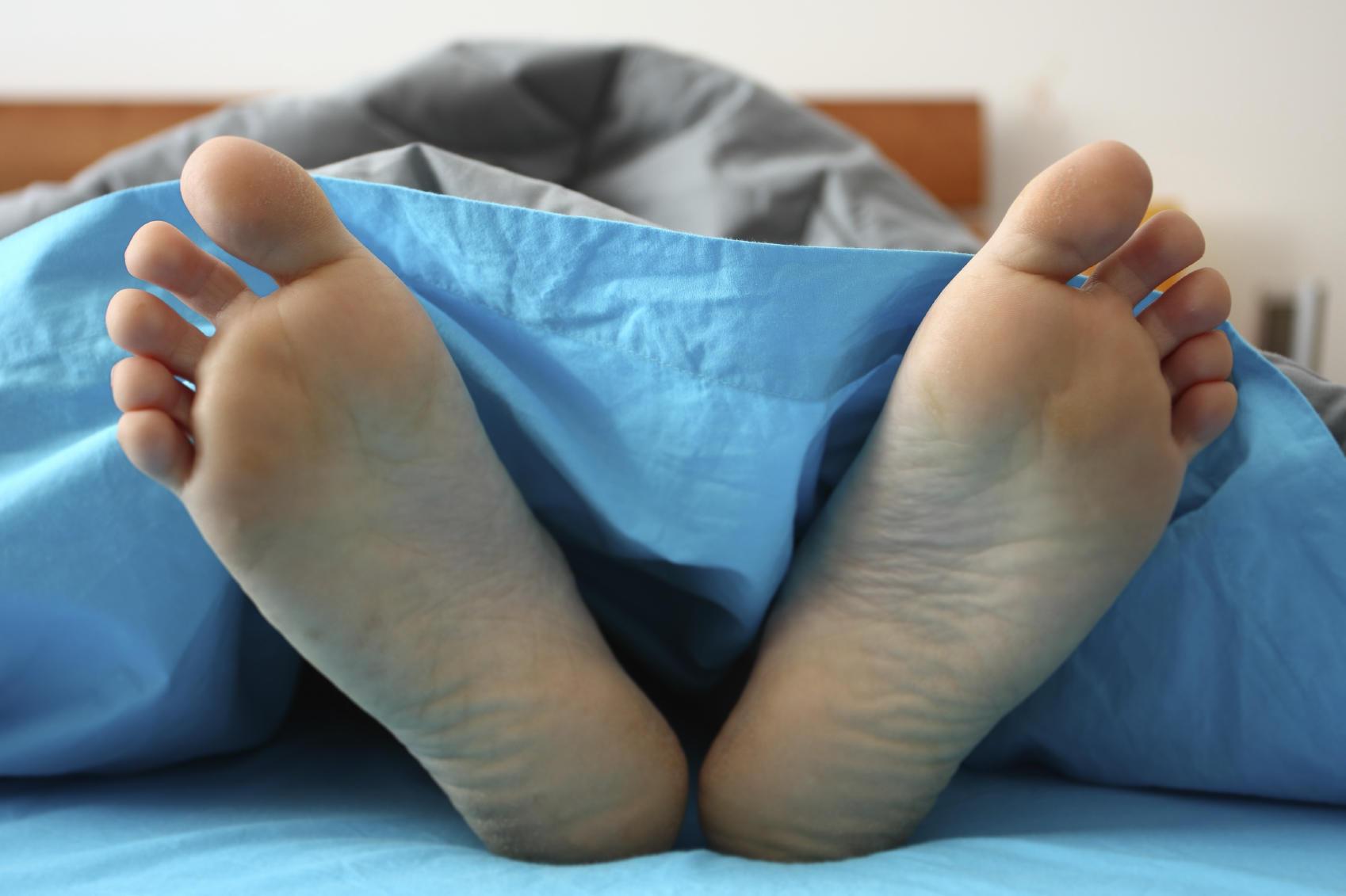 feet sleep