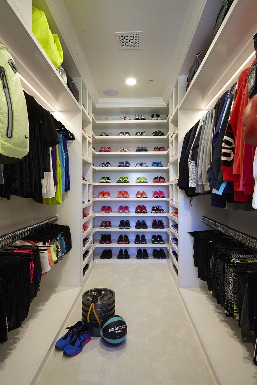 khloe-kardashian-fitness-closet-1
