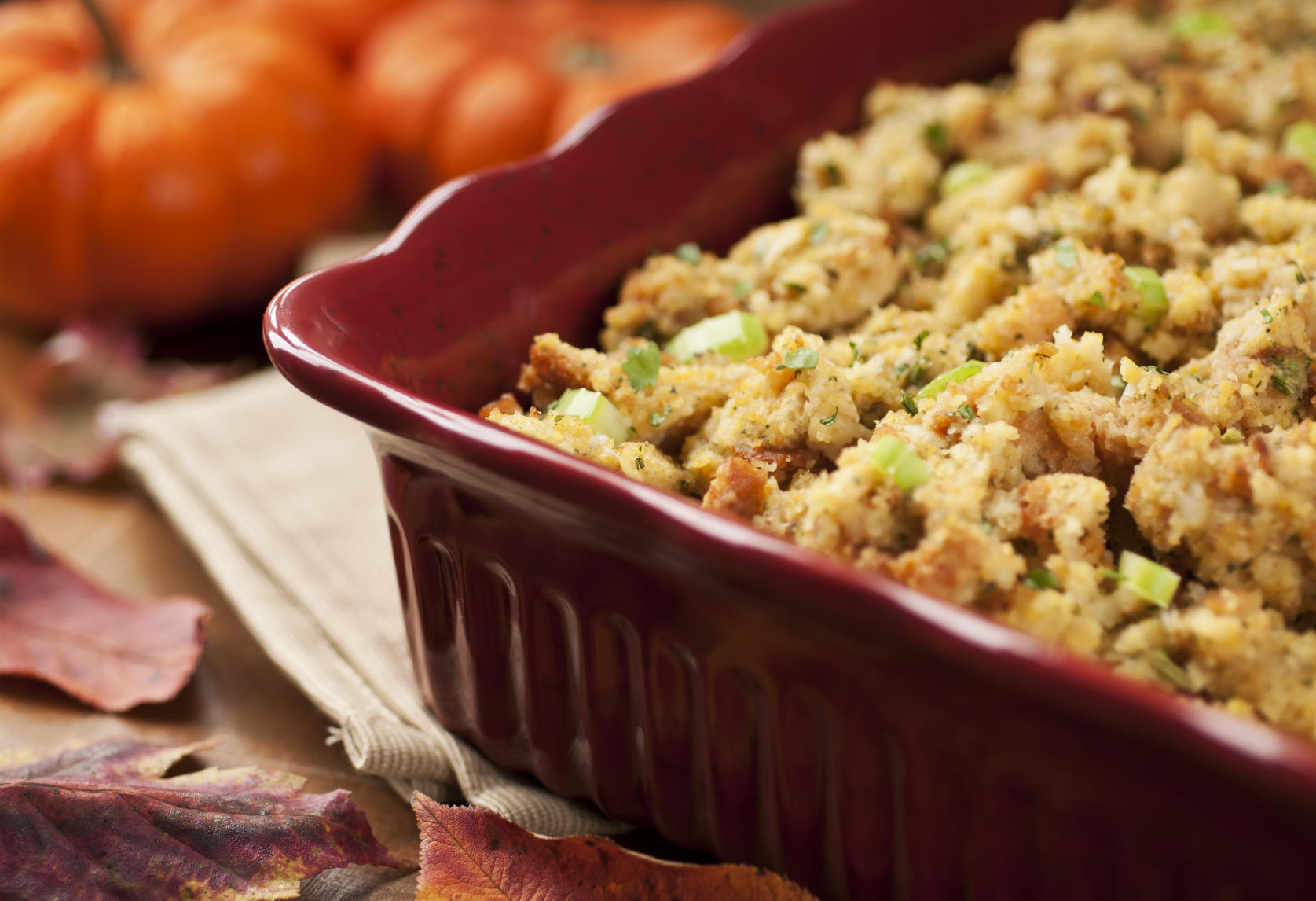 thanksgiving-makeahead-dishes-stuffing
