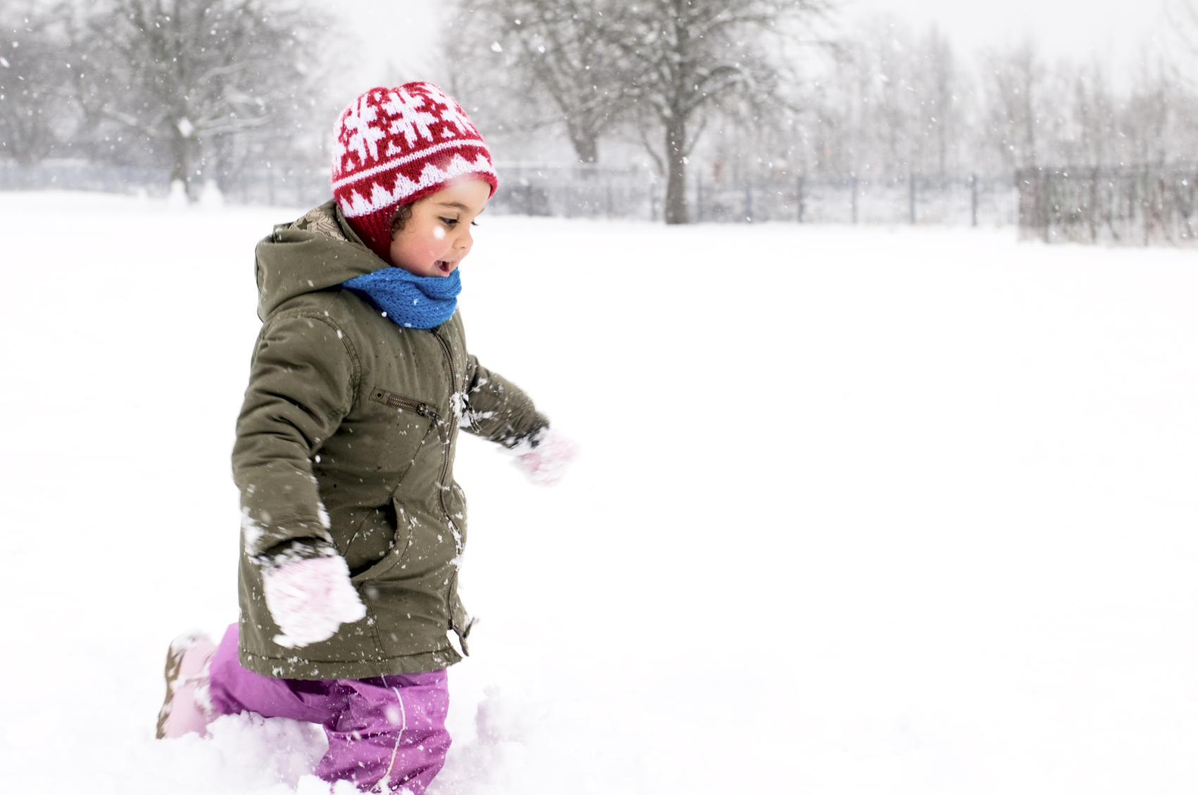 picture of young girl in the snow
