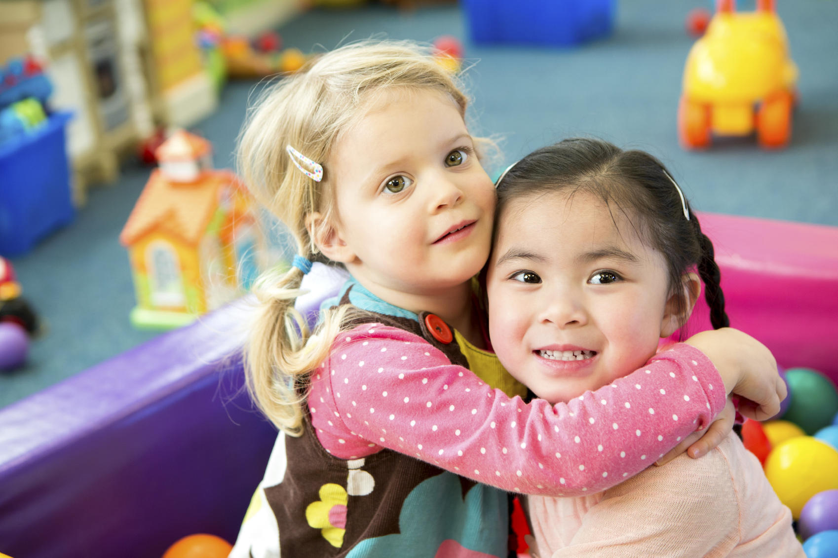 picture of two girls at daycare
