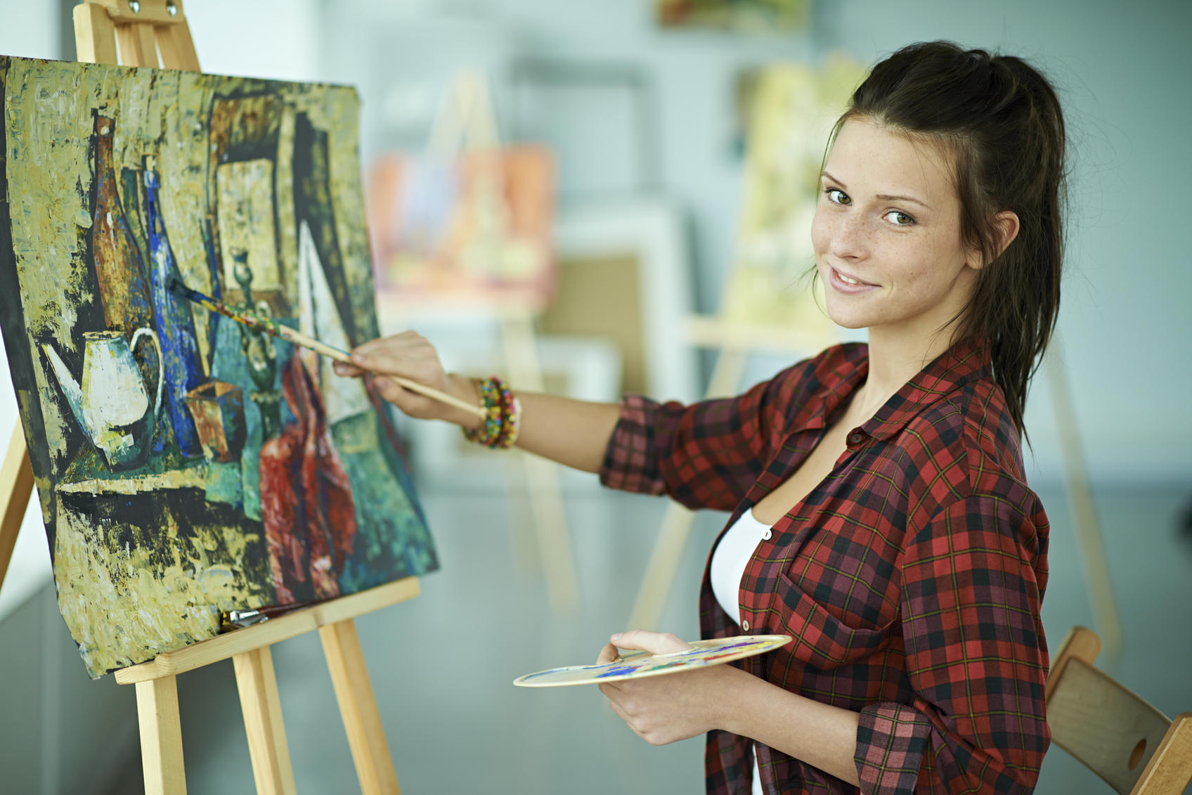 woman doing art