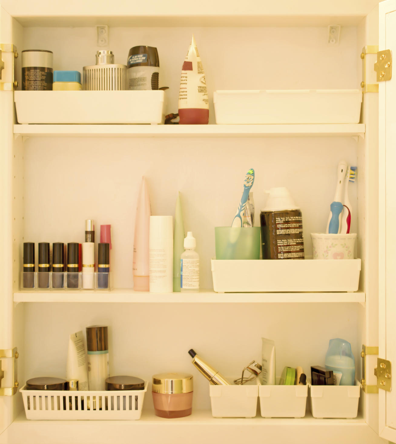Amazing Bathroom Hacks: How To Quickly Organize Your Bathroom