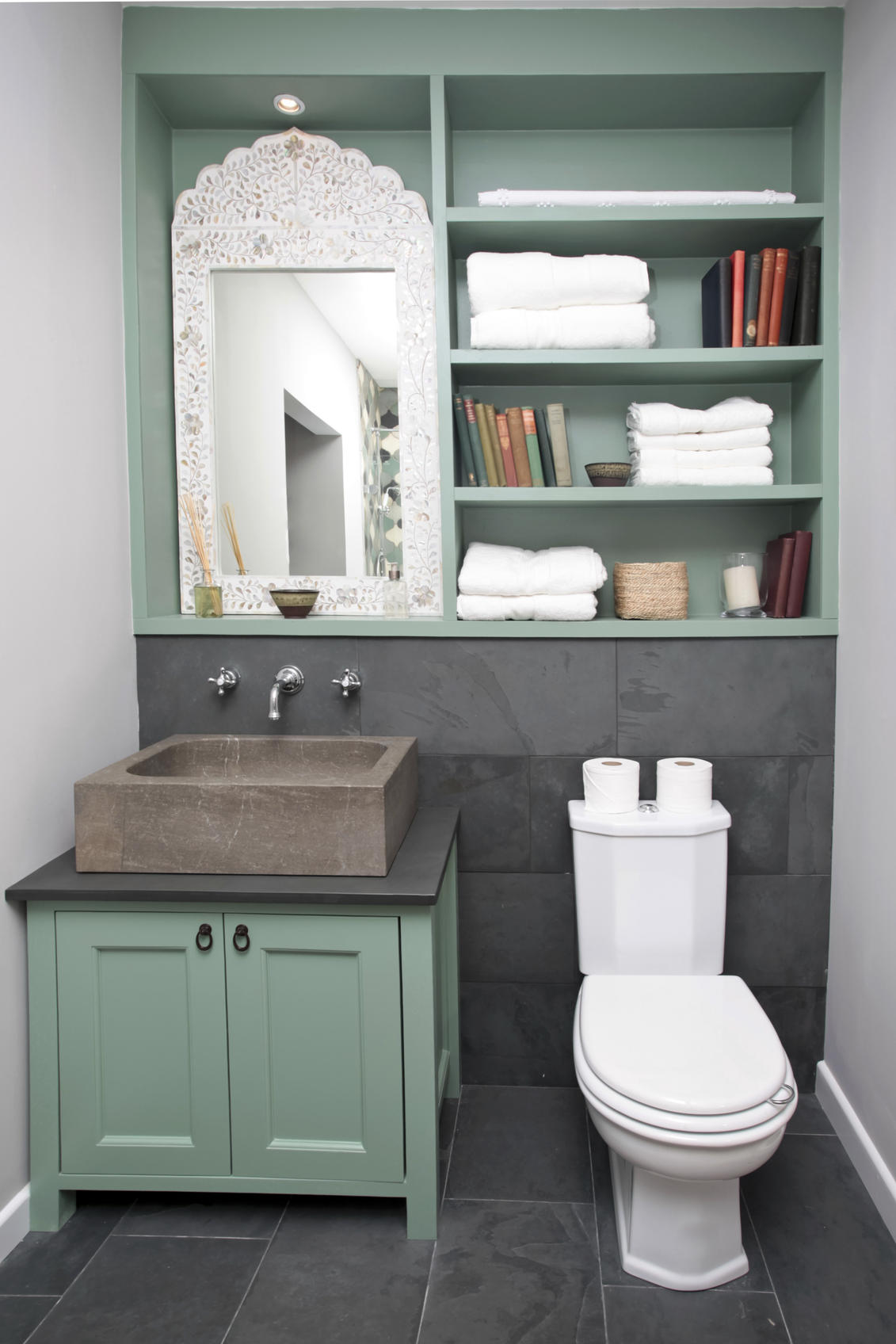Tips to maximizing your bathroom space tlcme tlc - Maximizing space in a small bathroom collection ...
