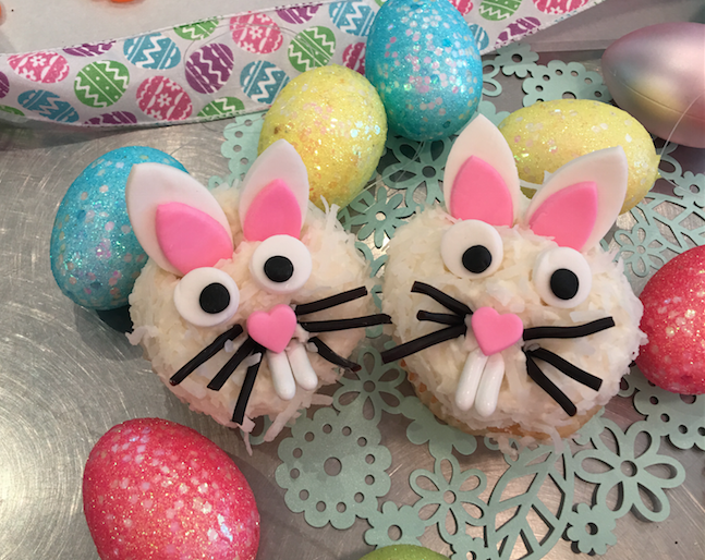 Easter bunny face cupcake