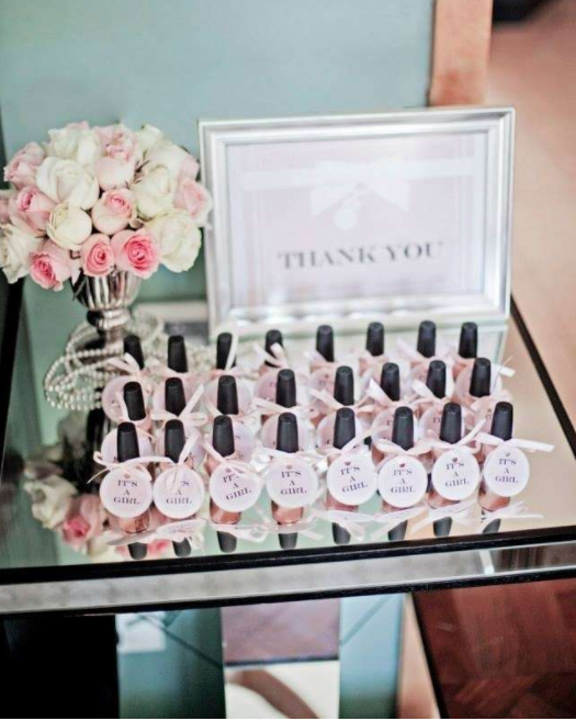 Baby shower favors your guests will actually want to take for Novedades para baby shower