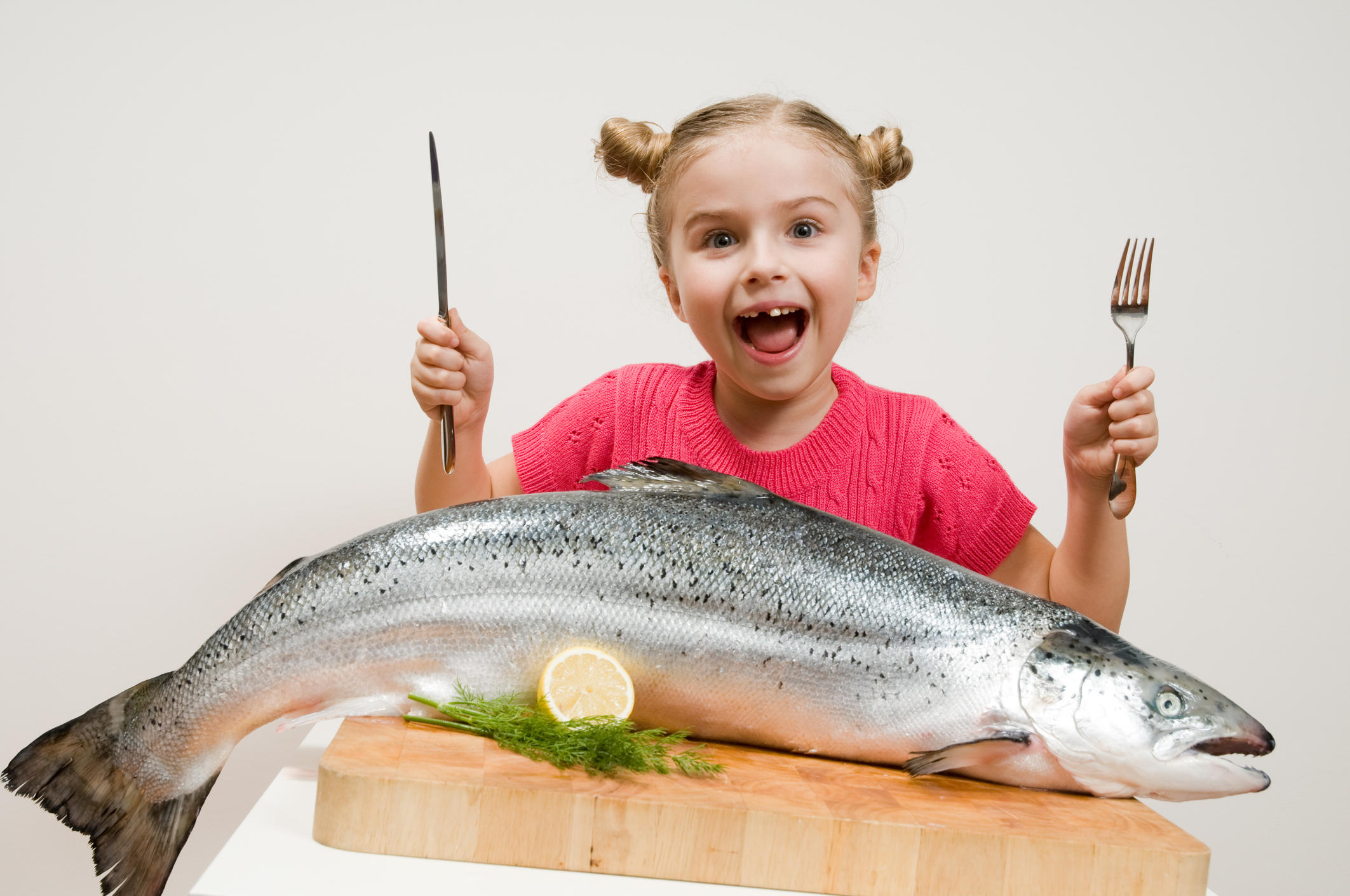 Eating fish may make kids smarter and help them sleep for Fish that eat other fish