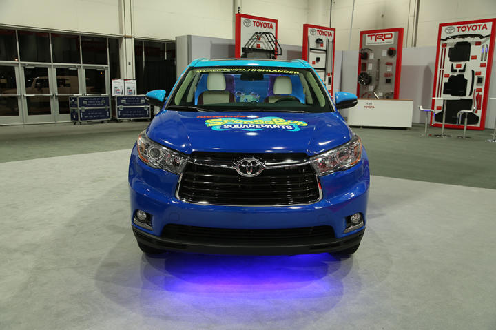 The ATM crew really knocked it out of the park this time when they transformed a Toyota Highlander into an aquarium!