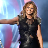 celeb-makeovers-2015-miranda-lambert-before