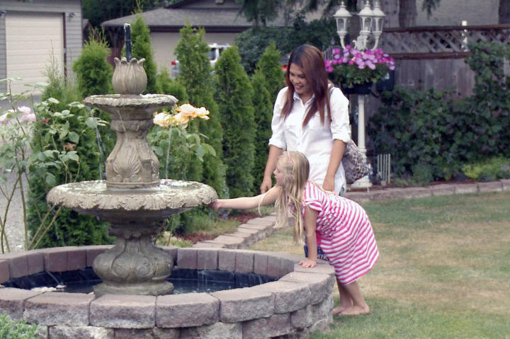 Daya and Cassidy tour the pretty grounds of a prospective wedding venue in Washington.
