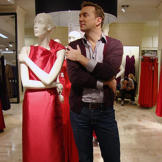 Clinton finds this mannequin's stance very attractive!