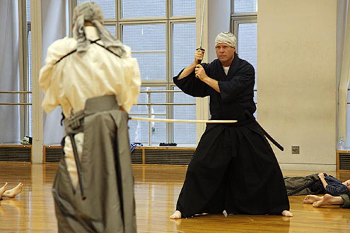 Jim Bob and the Duggar boys learn how some basic samurai skills.
