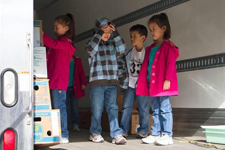 Gosselin kids on the donation truck.